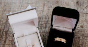 pierścionek zarczynowy